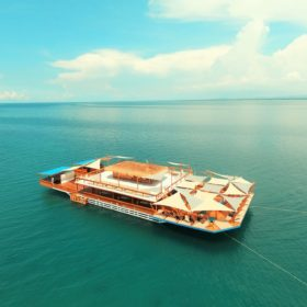 TawHai Floating Bar - First Floating Bar in Asia