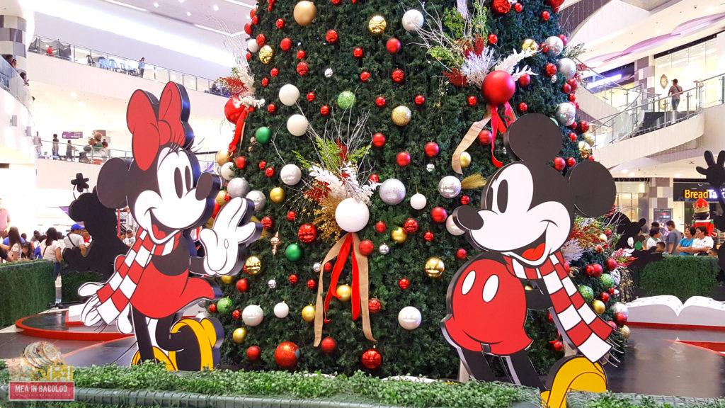 SM City Bacolod Christmas Tree Display 2017 - Disney Christmas