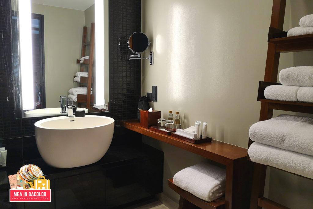 Nobu Hotel Manila City of Dreams - Hotel Review - Mea in Bacolod: Nobu Deluxe Bathroom